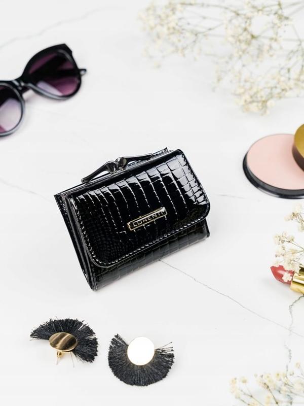 Dámská černá kožená peněženka 2104