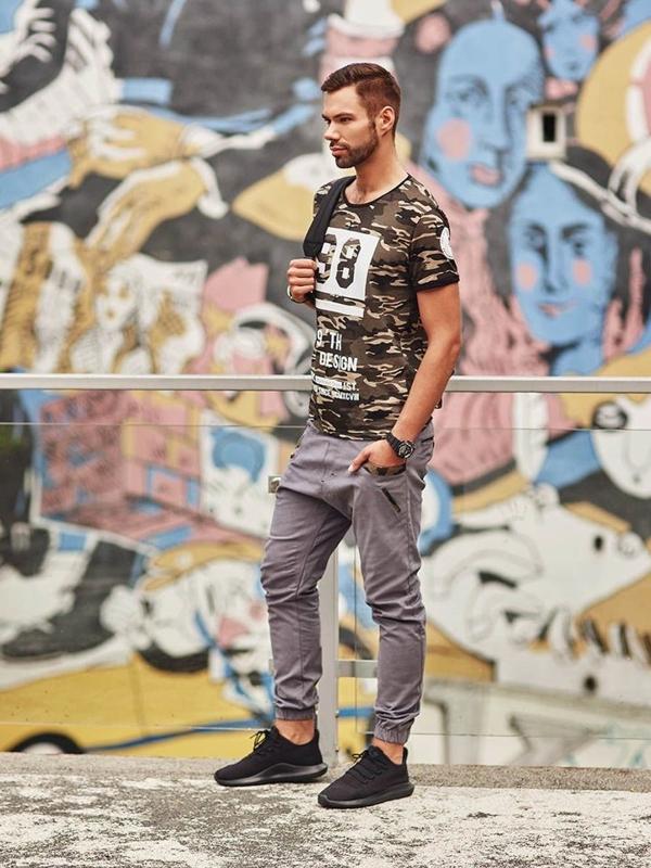 Stylizace č. 288 - hodinky, tričko s potiskem, jogger kalhoty