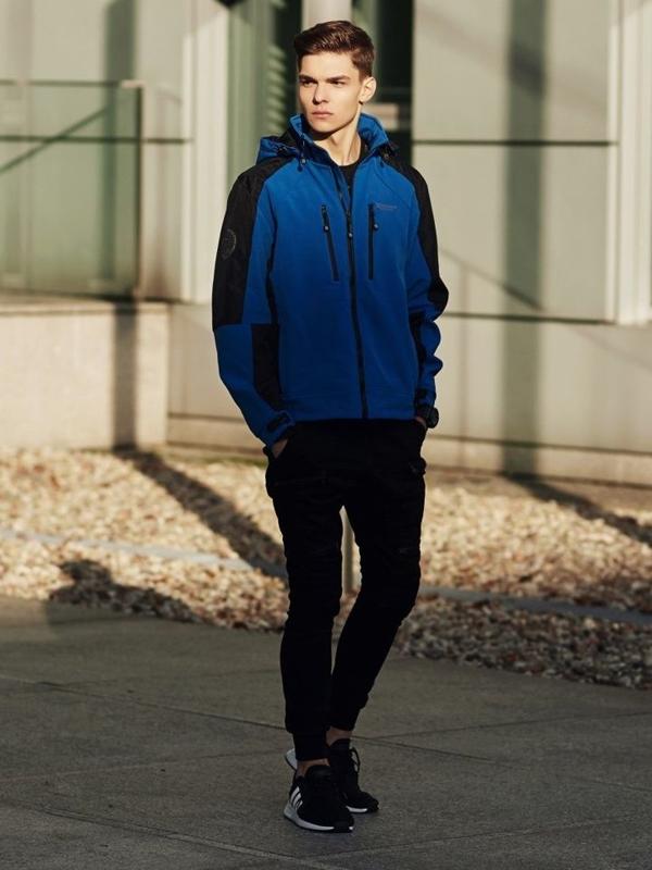 Stylizace č. 366 - hodinky, softshellová přechodová bunda, tričko s dlouhým rukávem a potiskem, kapsáče