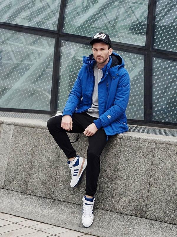Stylizace č. 384 - zimní bunda, mikina bez kapuce, tričko, teplákové jogger kalhoty