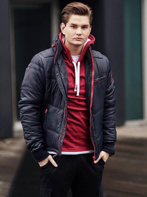 Stylizace č. 390 - hodinky, zimní bunda, mikina s kapucí, klasické tričko s dlouhým rukávem, jogger kalhoty